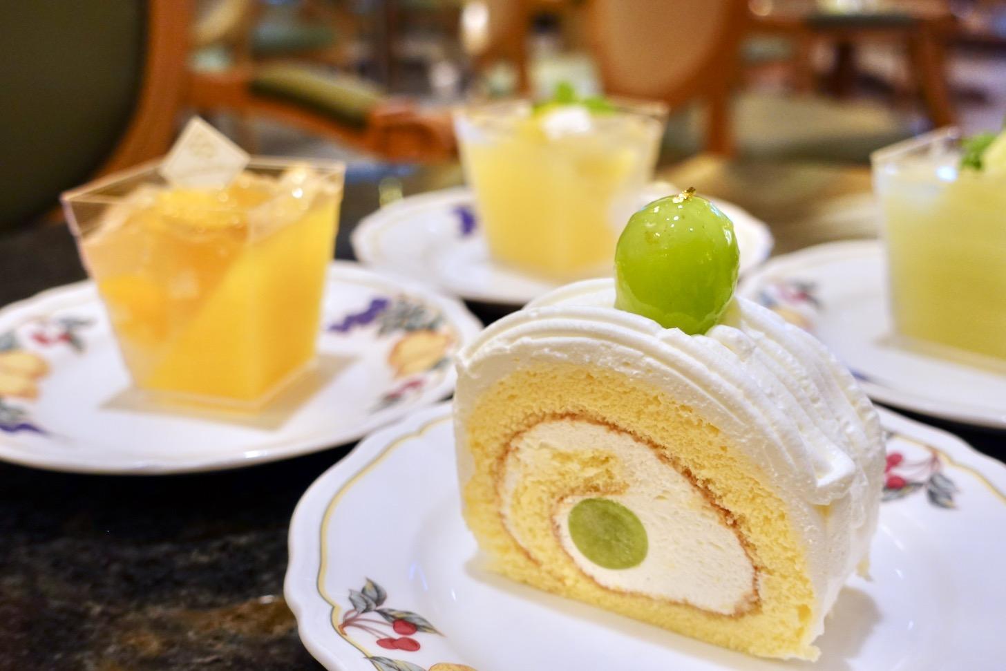 シャインマスカットロールケーキ(カット)