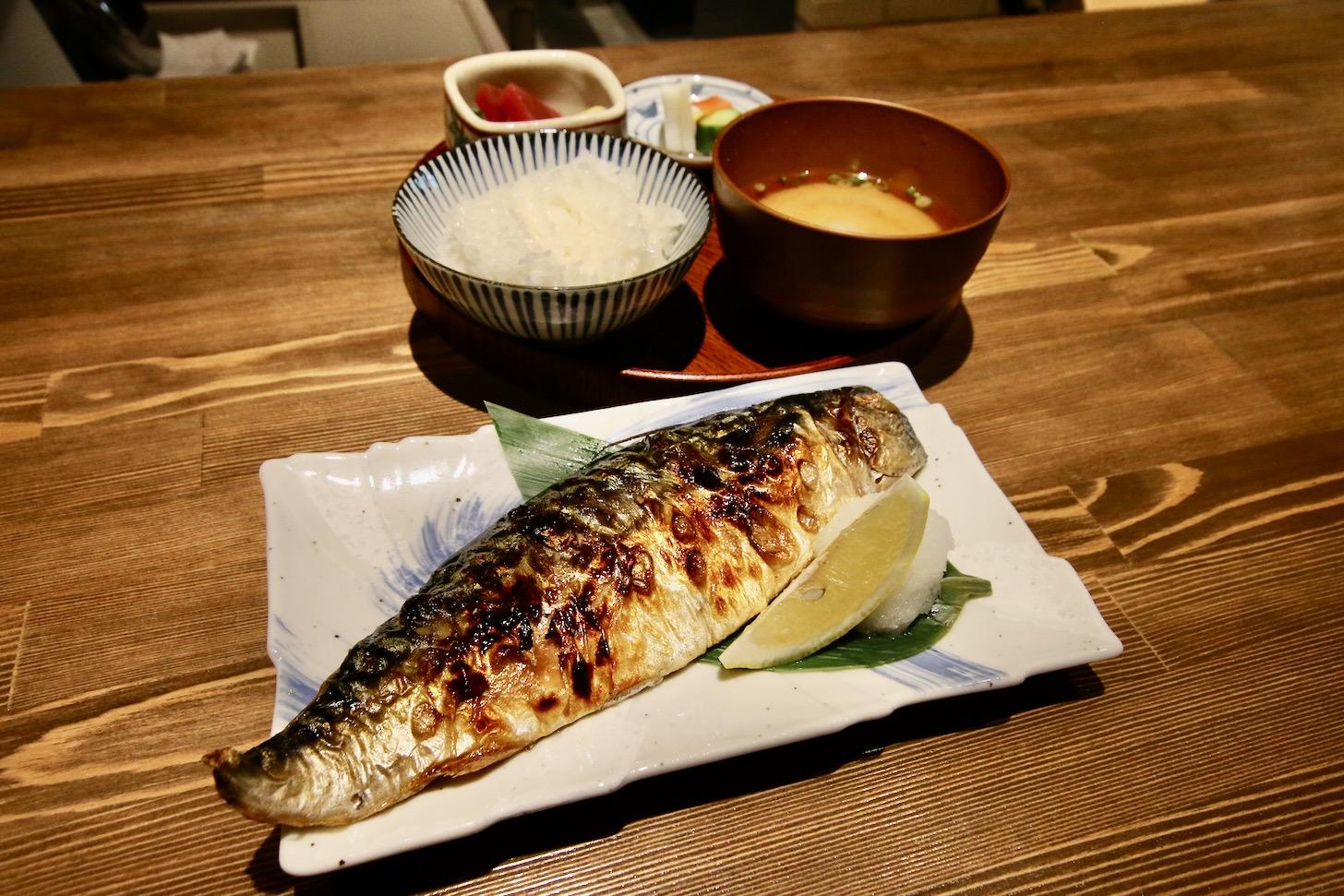 「茨城 越田商店『もの凄い鯖』定食」(1,400円税込)