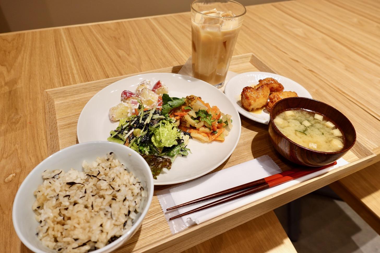 Café&MealMUJI 選べるメインとデリセット
