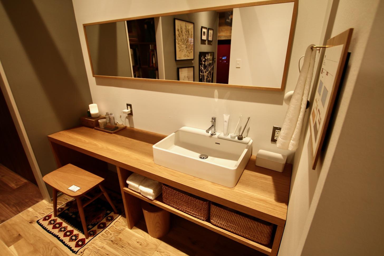 すっきりとシンプルな洗面台