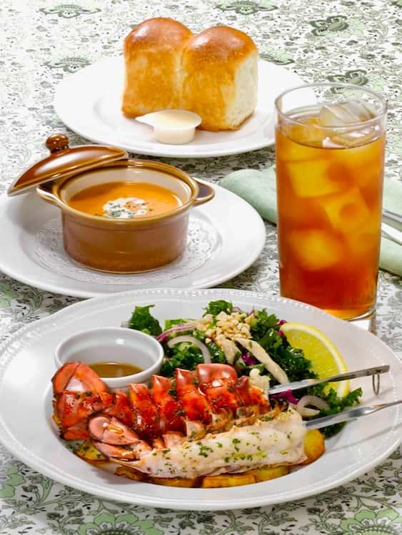 オマール海老のグリル&ケールサラダ